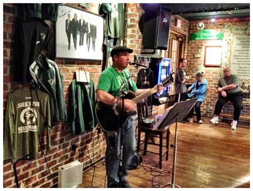 live music, photo by Jenny MacBeth